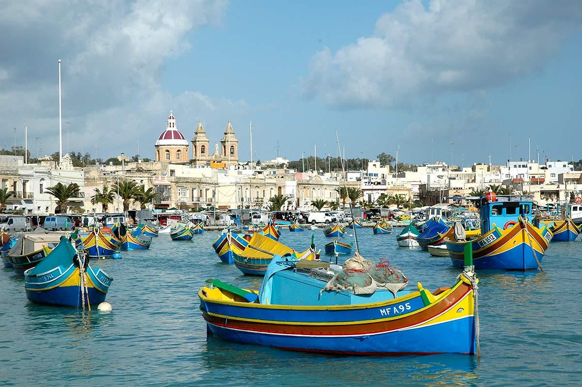 Luzzu tipico barco maltes