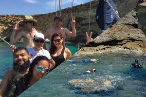 Plongeurs et  excursion en bateau à Comino